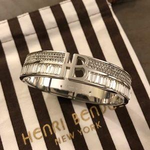 NWOT Henri Bendel Bangle Bracelet
